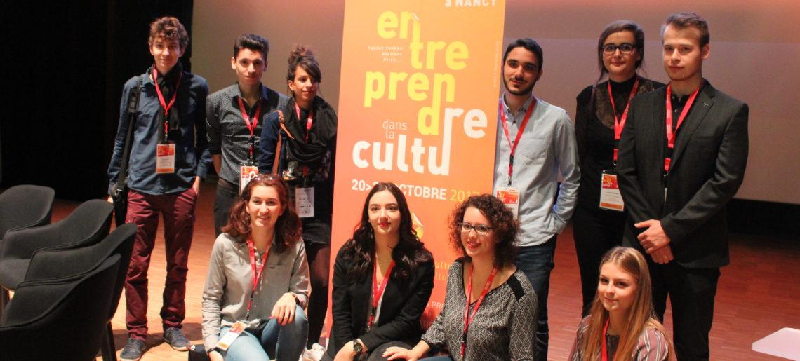 Des étudiants apprentis community manager au forum Entreprendre dans la Culture